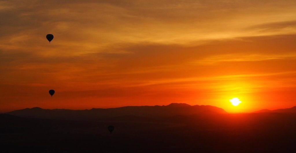 vuelos-en-globo-aerostatico al amanecer