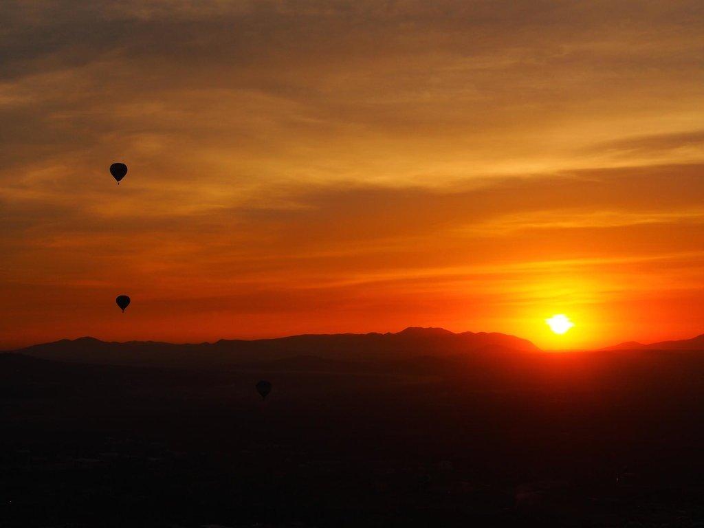 amanecer vuelos-en-globo-aerostatico